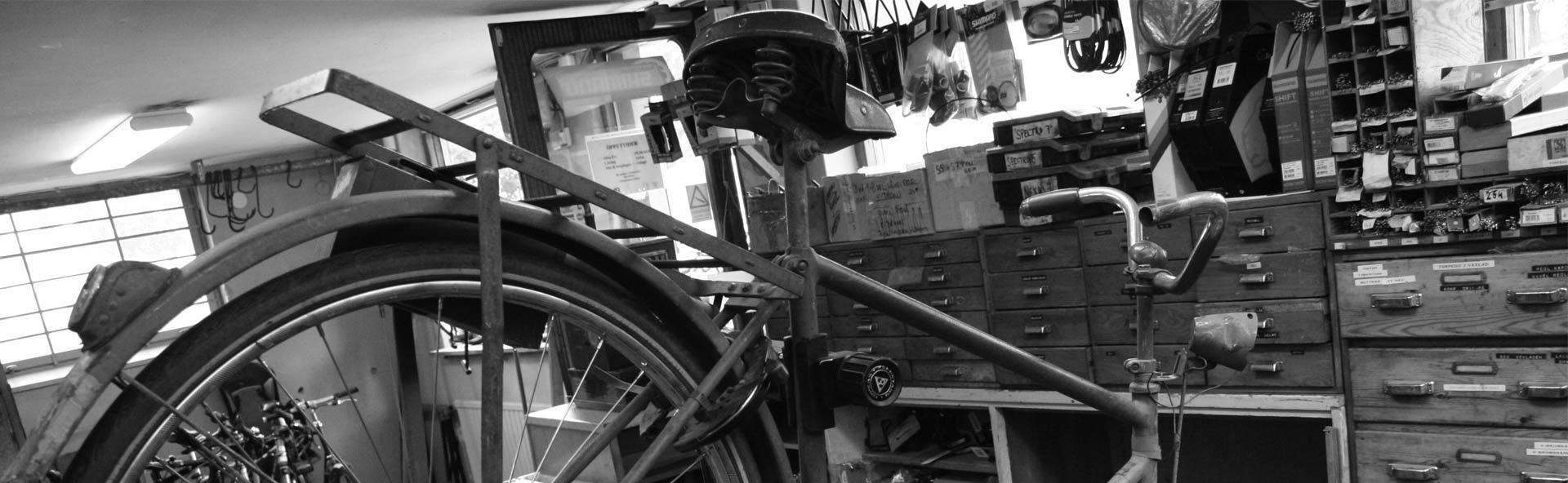 gamla cyklar från privatpersoner och föreningar