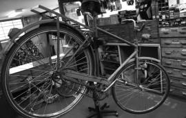 Rensning av cyklar i cykelförråd